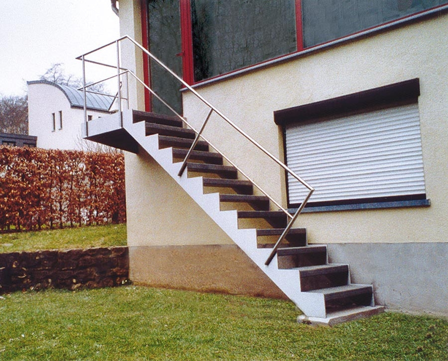 Up and down ext escalier ext rieur limons m talliques for Escalier exterieur kit