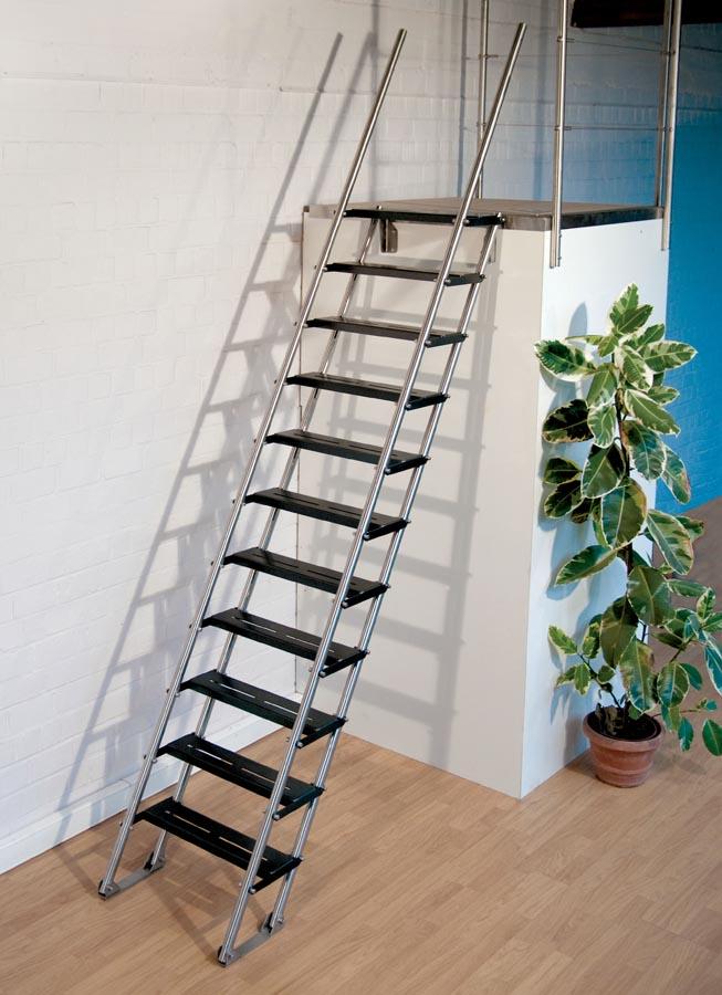 Moira s steile trapladder - Mezzanine trap ...