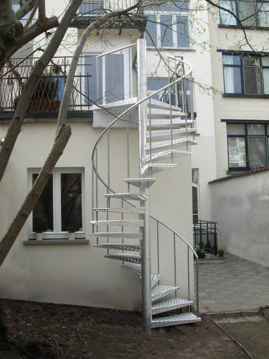 Classic ext escalier ext rieur en aluminium antid rapant for Escalier exterieur aluminium