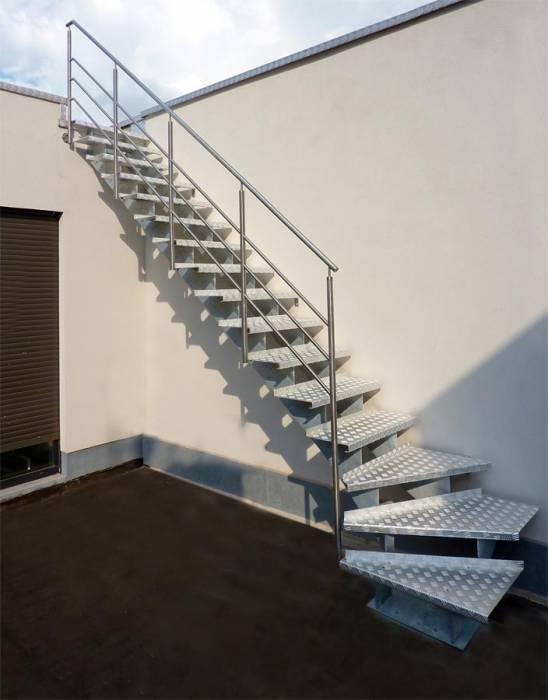 GRADE UP EXT : escalier de jardin à limons en métal