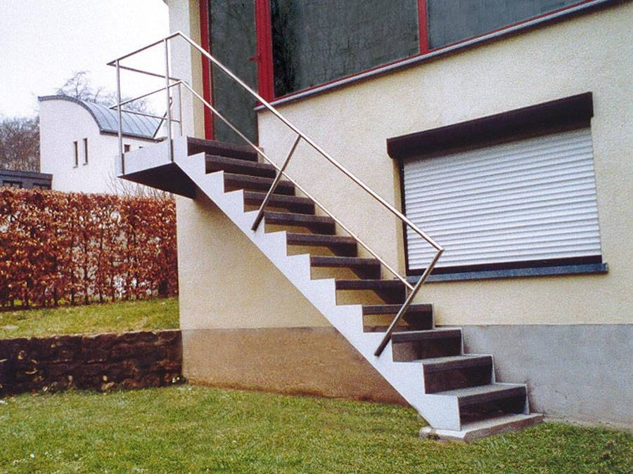 Up and down ext escalier ext rieur limons m talliques for Escalier exterieur 7 marches